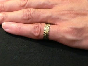 18k laurel wreath ring