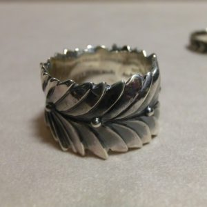 laurel wreath ring l 1