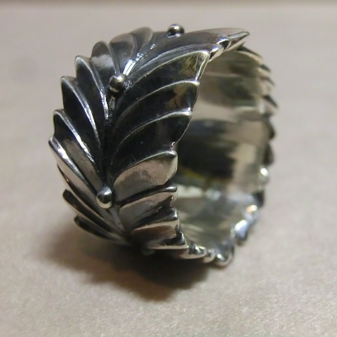 laurel wreath ring l 2