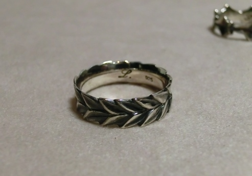 laurel wreath ring1