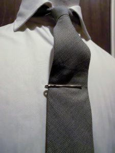 reversible tie pin1