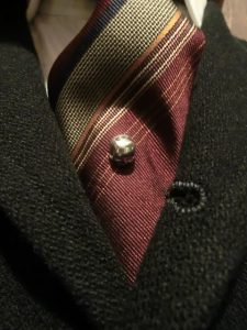 skull pin 2